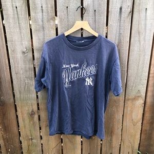 Vintage MLB New York Yankees Men's Shirt